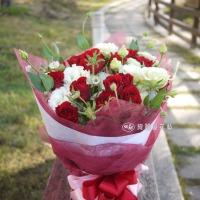 高雄花店綺麗屋|不能玫有你~紅玫瑰與桔梗花束【AA031】