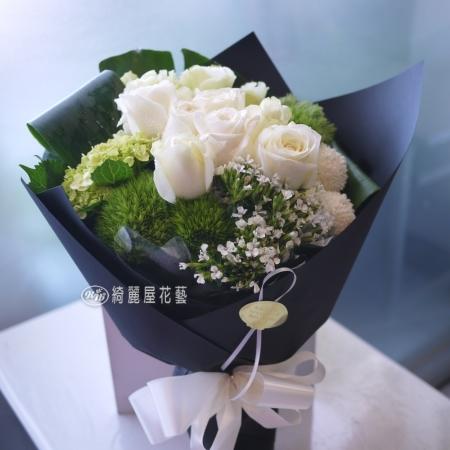 【AA122】只為你停留白玫瑰花束|高雄花店綺麗屋