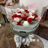 玫瑰桔梗浪漫情人花束【AA216】